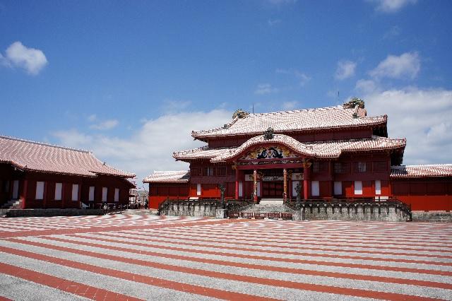 沖縄の古物市場